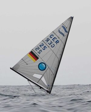 <b>Light winds and big swell for Finn practice race in Palma 2014</b>