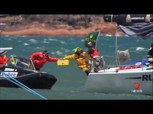 <b>2013 Rolex Sydney Hobart Yacht Race - Sydney-Hobart fleet battered </b>