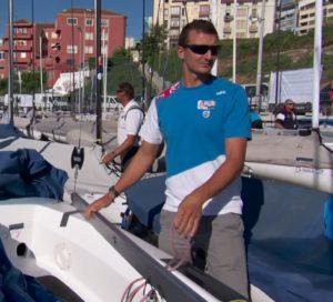 <b>Giles Scott und Alejandro Muscat in Santander beim Einstellen der Achterliekspannung</b>