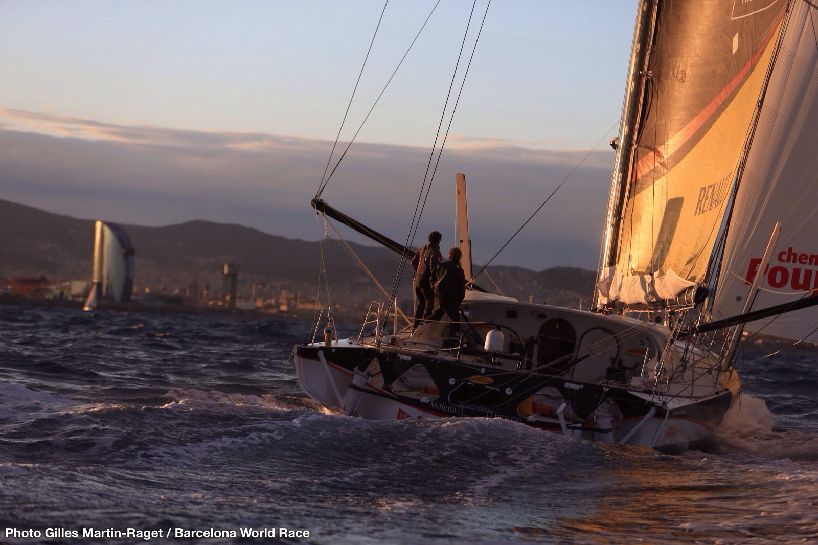 <b>Bernard Stamm and Jean Le Cam are winners of the Barcelona World Race 2014-2015</b>