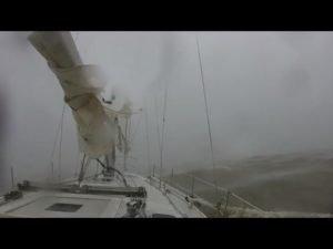 <b>Zwei Tote und fünf Vermisste nach Sturm bei Alabama-Regatta</b>