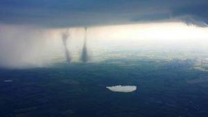 <b>Tornado über der A7 in Schleswig Holstein - 5. Juni 2016</b>