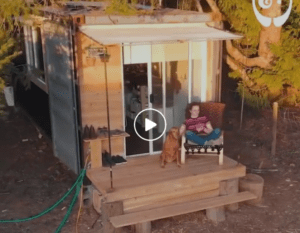 <b>Remaking shipping container into a tiny house</b>